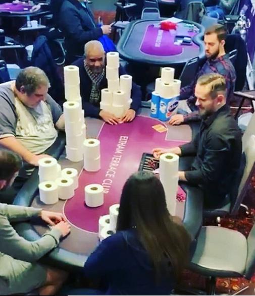 Toarullar istället för spelmarker på kasinot.